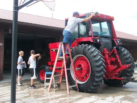 International Tractor DJ